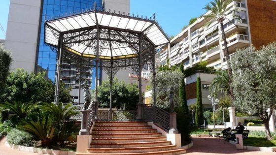 Altanka przy hotelu w Monte Carlo