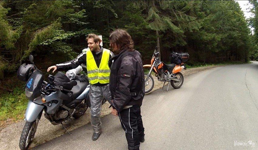 Motocyklista ma problem
