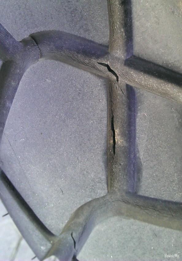 Opona Mitasa E-08 pęka po tygodniu