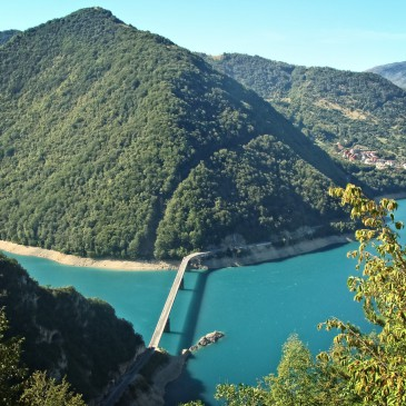From Lake Piva to the Monastery of Ostrog