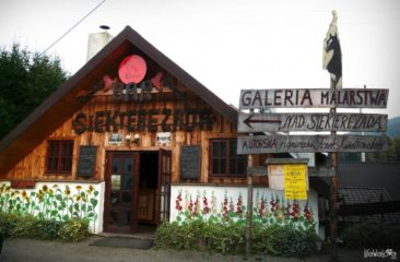 Siekierezada pub and gallery in Cisna