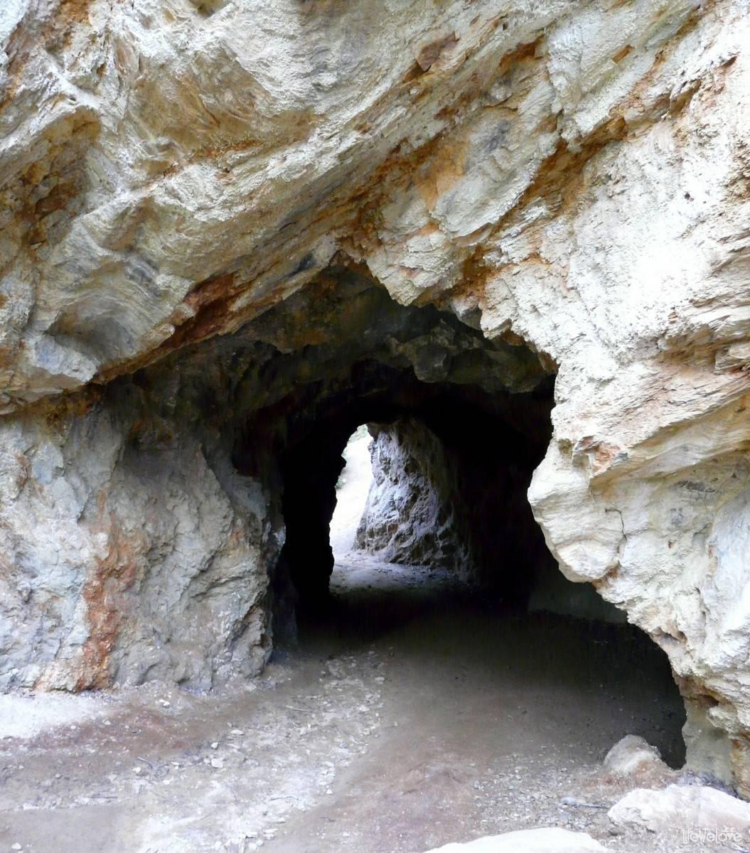 Kolorowe Jeziorka - tunel