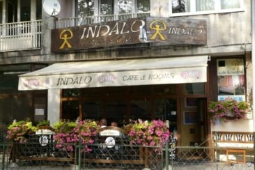 Indalo Cafe and a hostel just above are located in the center of Krakow, close to Wawel. It looks quite inconspicuous from the outside...