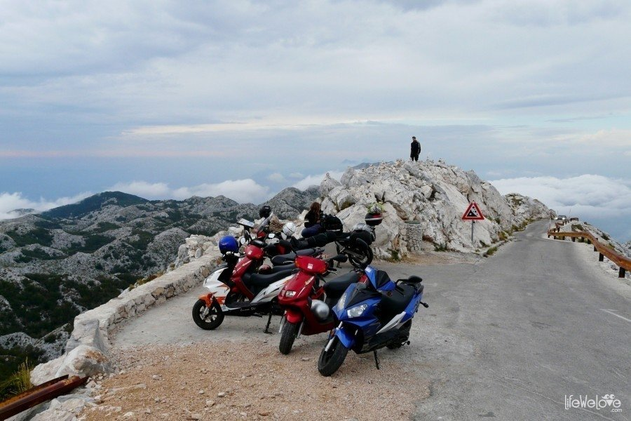Parking at the top of Sveti Jure