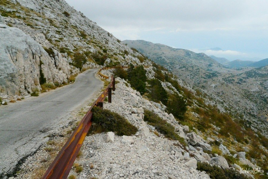 The road to the top of Sveti Jure