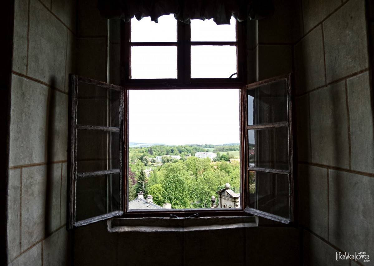 Window in Frydlant Castle