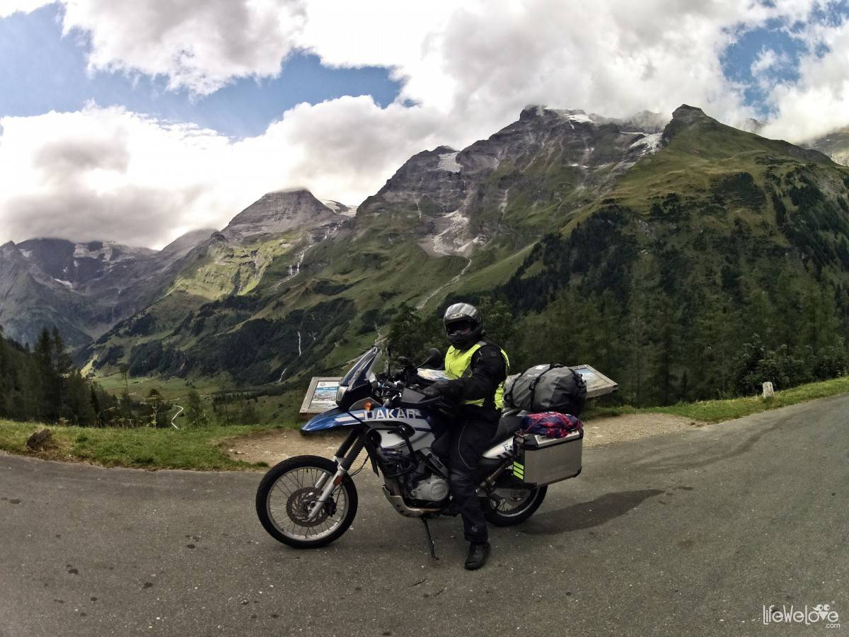 BMW F650 skid steer GS Dakar on the Grossglockner