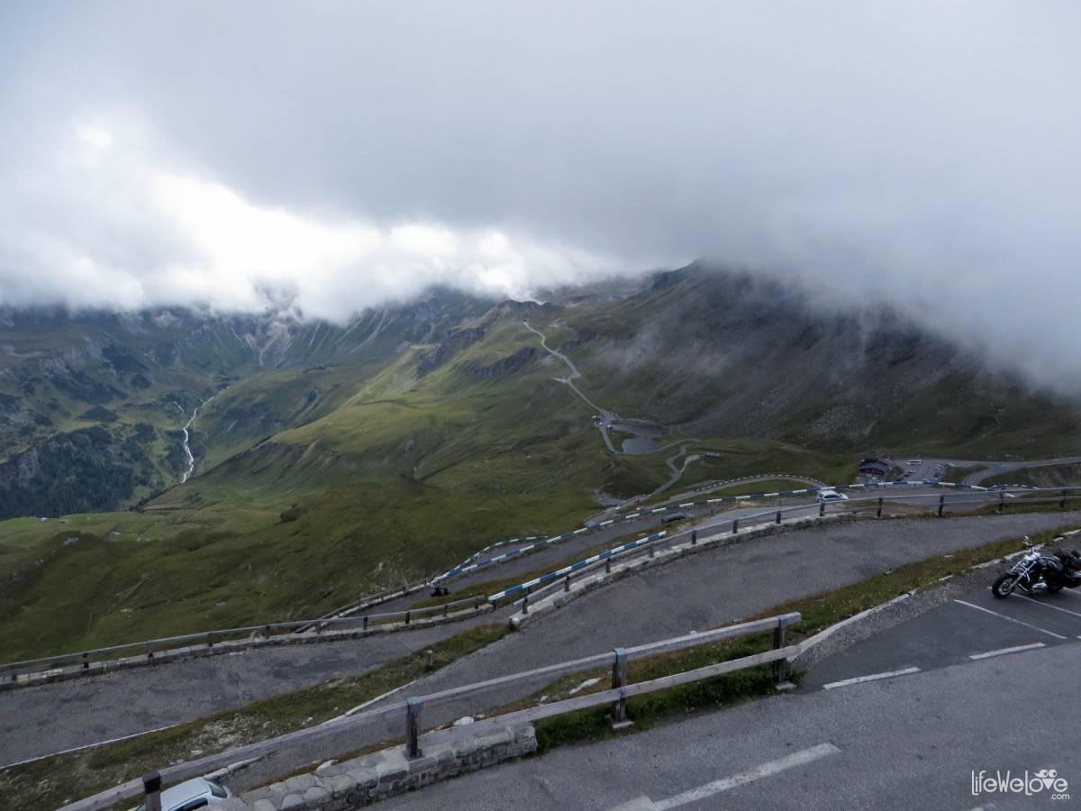 The road on the Grossglockner