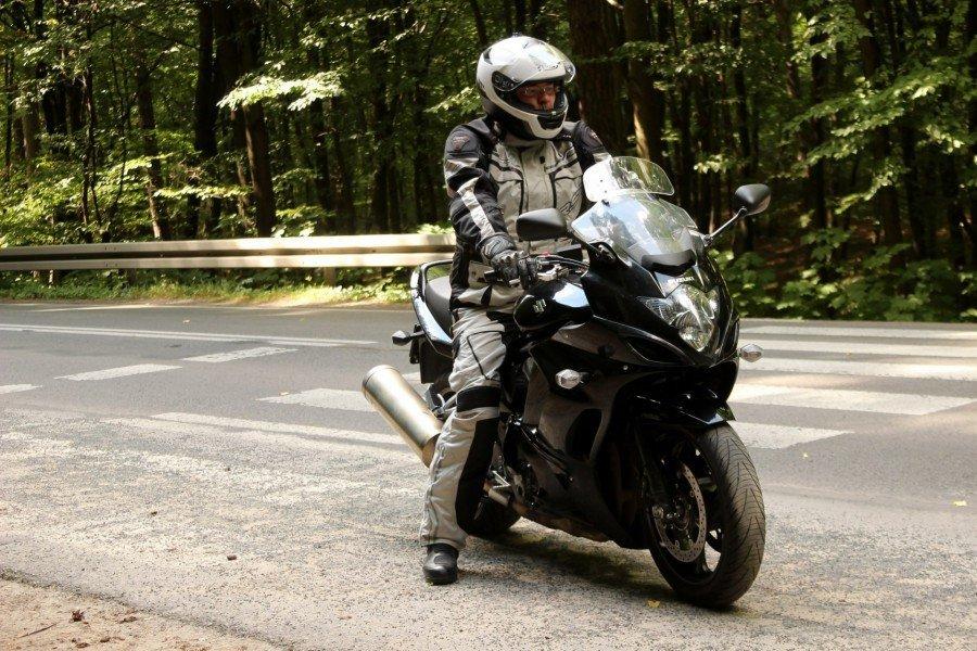 Suzuki GSX1250FA - Recenzja