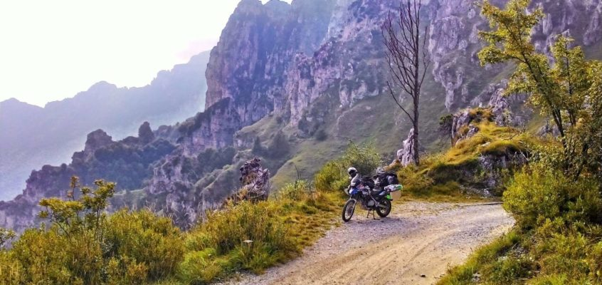 Anfo Ridge Road: exciting ride on the Alpine ledges