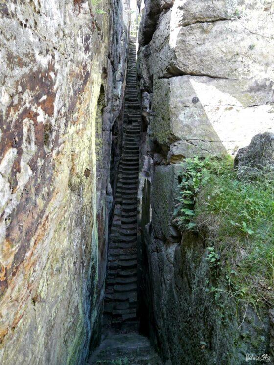Schody rycerskie do zamku Sloup
