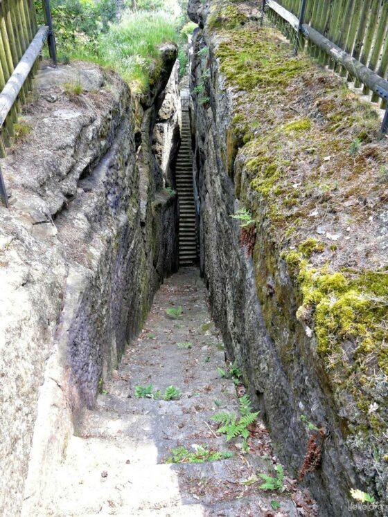 Schody wejściowe do zamku Sloup