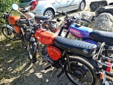 It seems that in Germany Simson motorbikes still are popular among teenagers :)