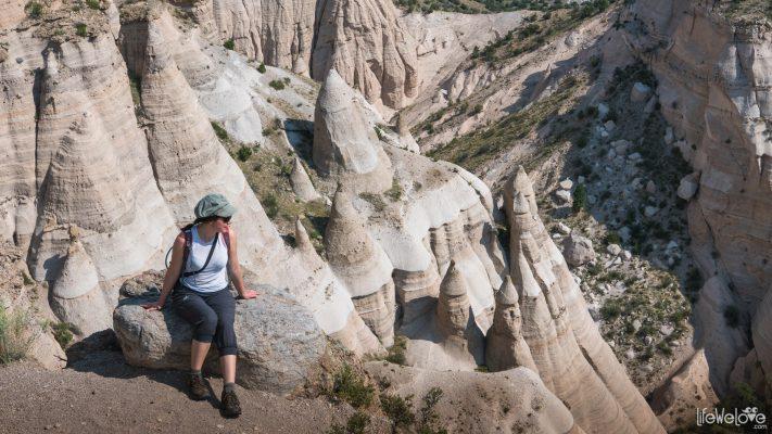 tent-rocks-hike