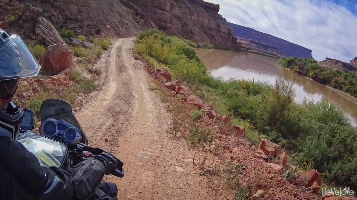 white-rim-road-moab-usa-1