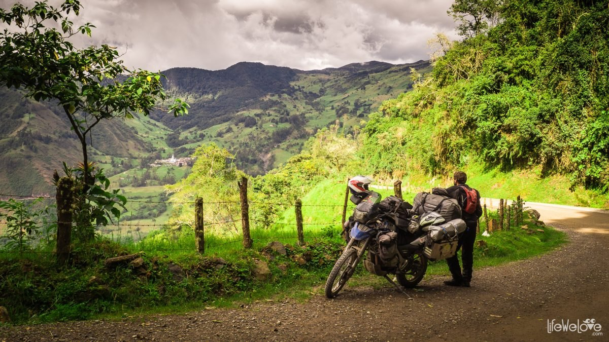 The road to Malaga in Colombia