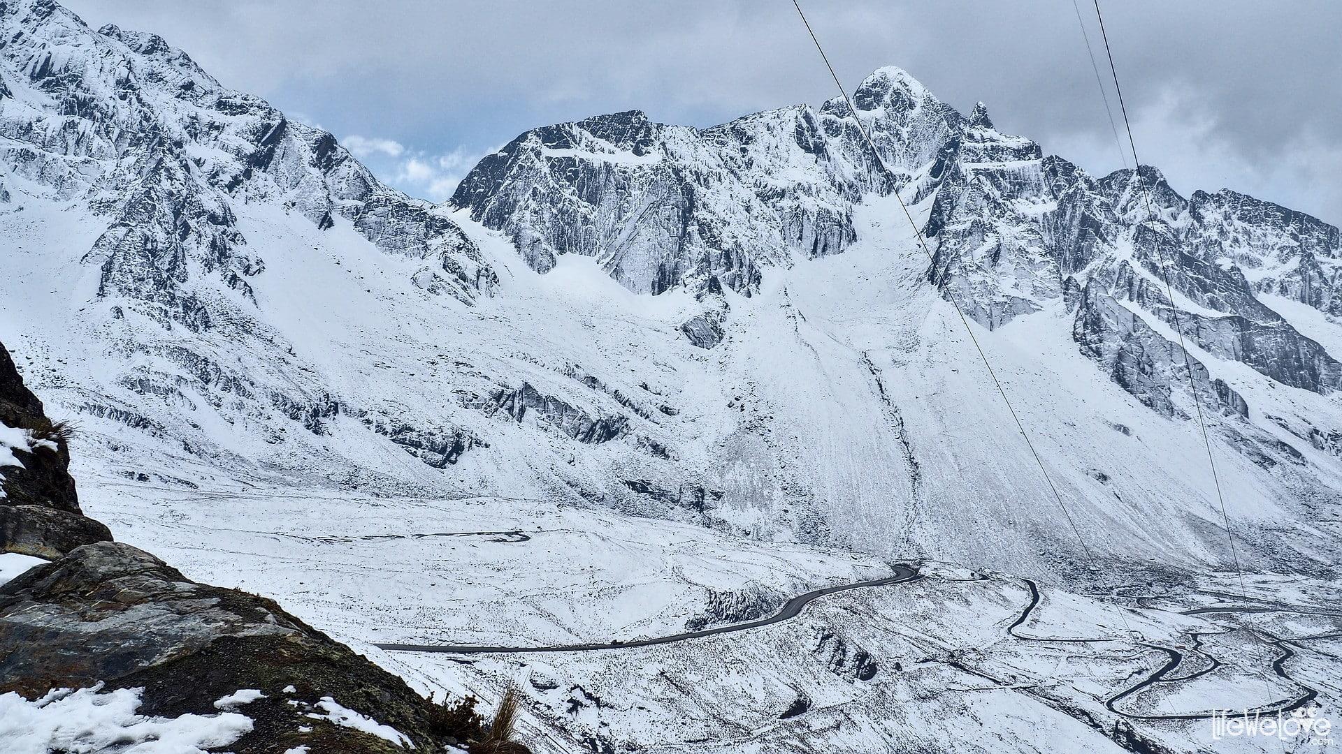 La Cumbre Pass Bolivia