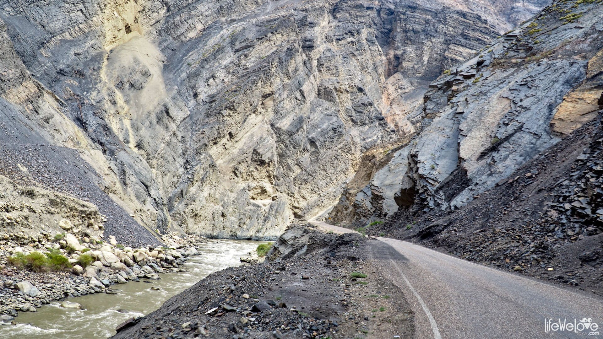 Kanion del Pato w Peru