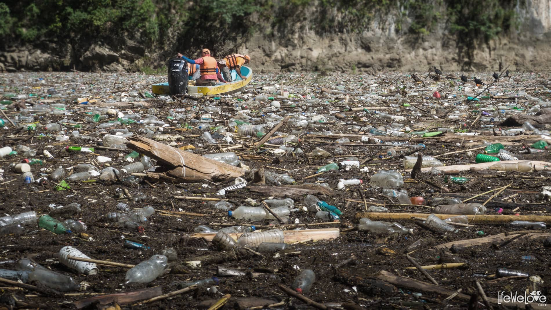 The river of trash in Mexico